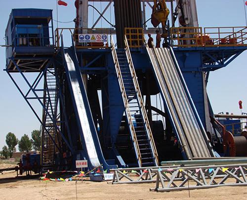 公司石油钻机ZJ-50钻机在陕西延安进行油气井钻探